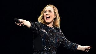 Adele anuncia que irá apresentar o 'Saturday Night Live'