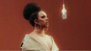 Gloria Groove lança 'Sinal', clipe é dirigido pela própria artista