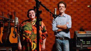 Nando Reis e Ana Vilela  lançam música sobre a pandemia