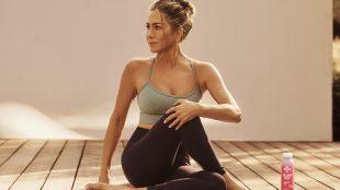 Jennifer Aniston vira assunto na web após protagonizar campanha
