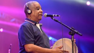Morre Ubirany, cantor integrante do grupo Fundo de Quintal