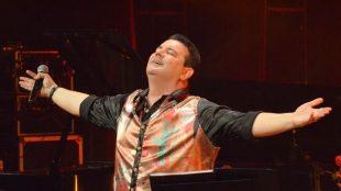 André Rio realiza apresentação no Teatro do Parque