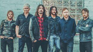 Comemorando 25 anos, Foo Fighters lança seu próprio par de Vans