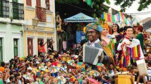Carnaval 2021: internautas comentam como será o ano sem a festa