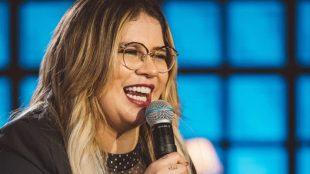 Marília Mendonça fala sobre prostituição em nova música