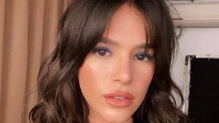 Bruna Marquezine surpreende ao cantar em vídeo publicitário
