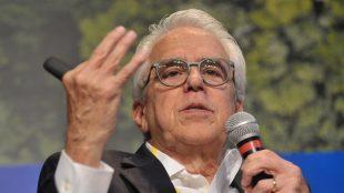 Castello Branco teria recusado R$ 100 milhões para Record e SBT