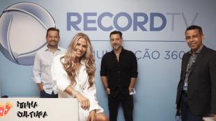 Adriane Galisteu assina novo contrato com a Record TV