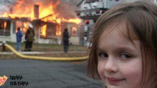 Famosa na internet, foto da menina sorrindo em incêndio é vendida por US$ 473 mil