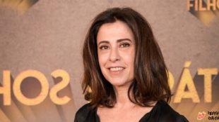 Após polêmica, Fernanda Torres é vacinada contra Covid-19