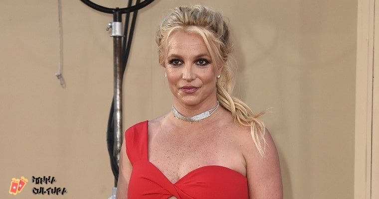 Justiça decide que pai de Britney Spears permanecerá com a tutela da artista