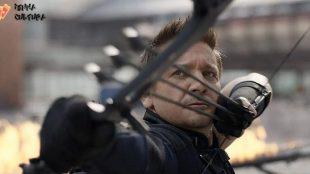 'Gavião Arqueiro': estrelada por Jeremy Renner, série ganha primeiro pôster